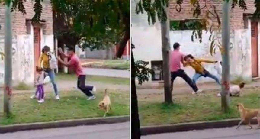 Video indignante: golpeó y zamarreó a su pareja, que tenía a su hija en brazos