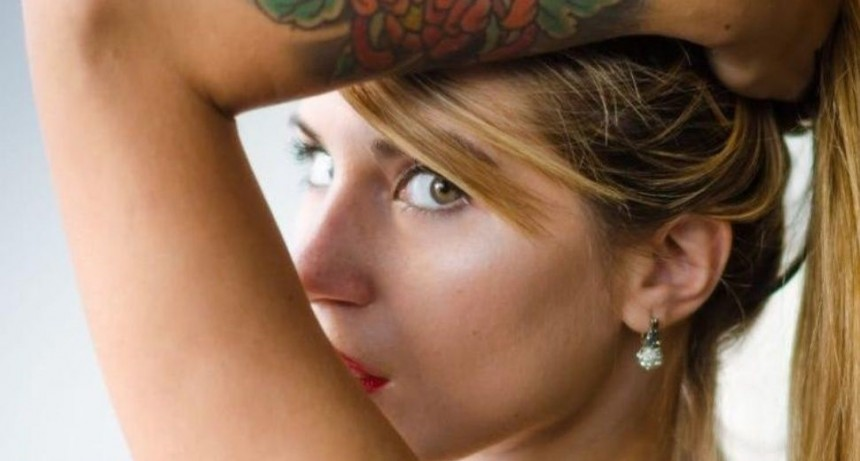 Inspectora hot contó todos los detalles de su video porno