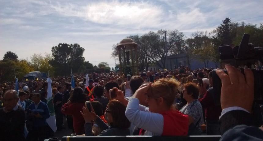 Miles de fieles honraron al milagroso Señor de Renca