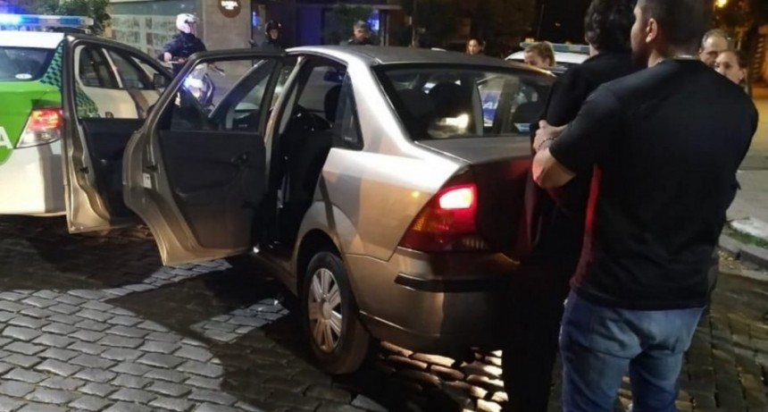 La Plata: un hombre discutió con su pareja, la atropelló y se dio a la fuga