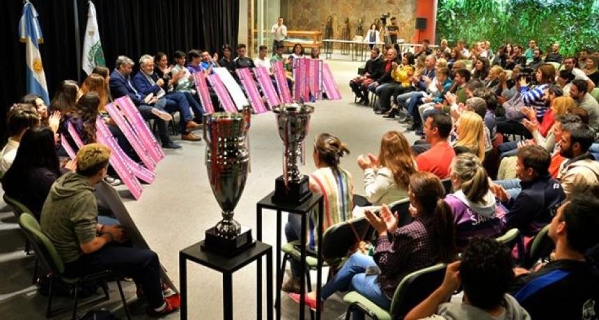 Becas para los medallistas de los Juegos Binacionales