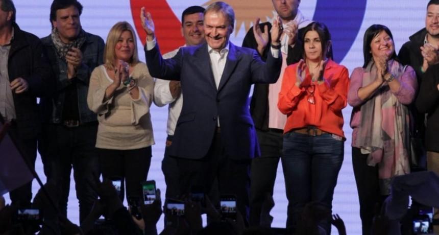 Schiaretti logró una ventaja abultada en Córdoba: triplicó al candidato apoyado por Macri y Carrió