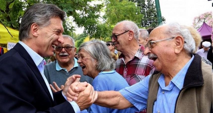 Las jubilaciones y la AUH subirán un 10,74% a partir del 1° de junio