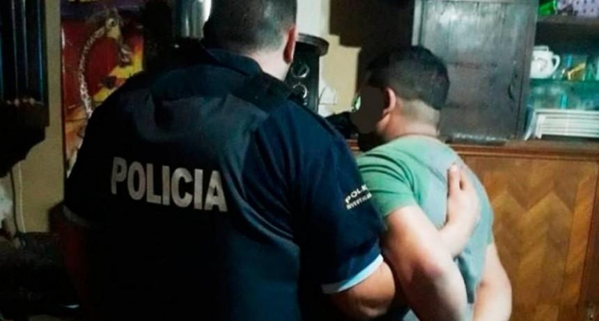 Un policía creyó haber matado a un hombre, simuló un robo, pero lo descubrieron