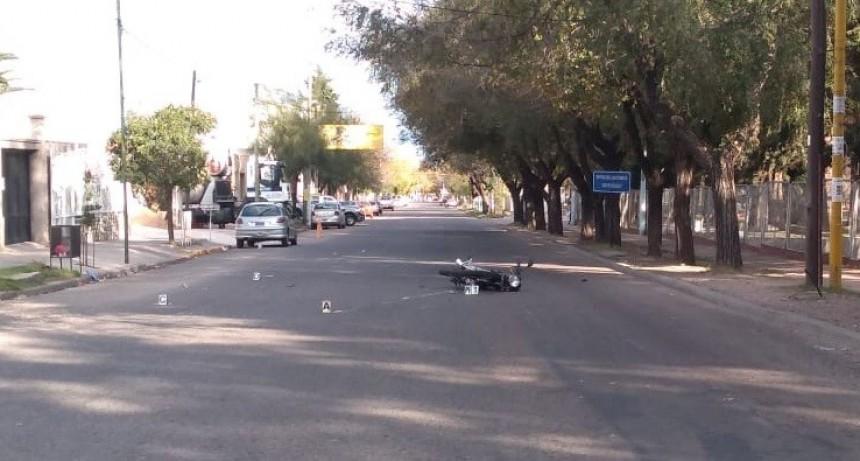 San Luis: un auto y una moto chocaron en la calle Héroes de Malvinas