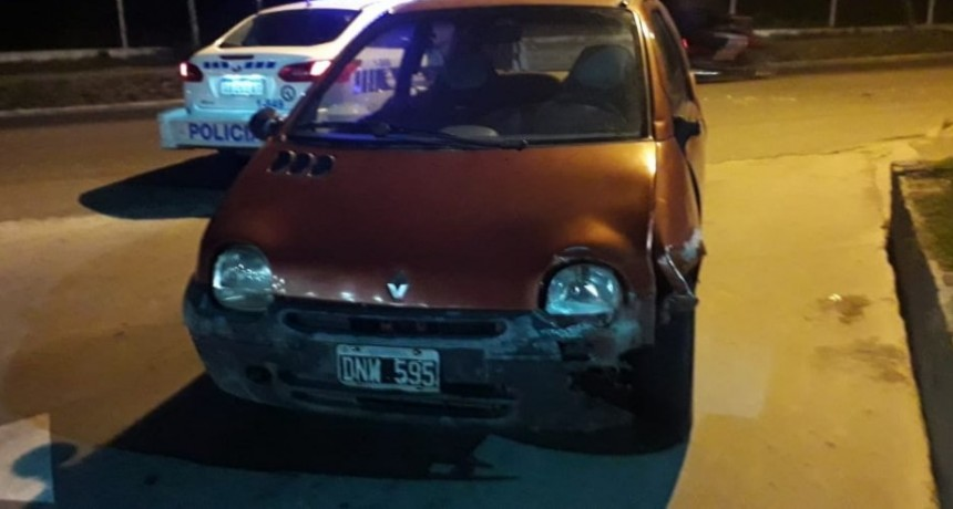 San Luis: una moto y un auto chocaron en la entrada de una estación de servicio
