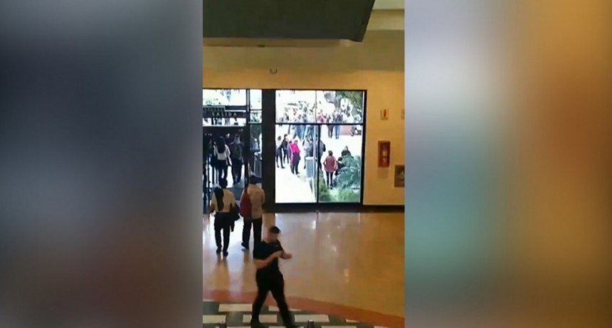 Evacuaron el shopping Unicenter por una amenaza de bomba