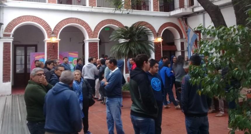 Los taxitas se autoconvocaron en el Concejo Deliberante y se mostraron en contra del proyecto Taxis-Colectivos