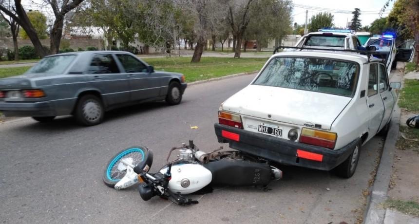 San Luis: un joven motociclista murió tras chocar contra un auto estacionado