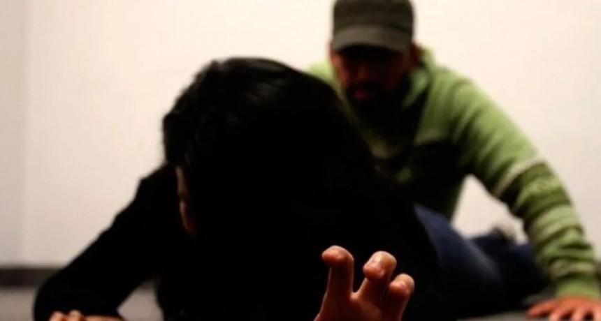 Mujer denunció que fue violada por su hijo delante de su nieto