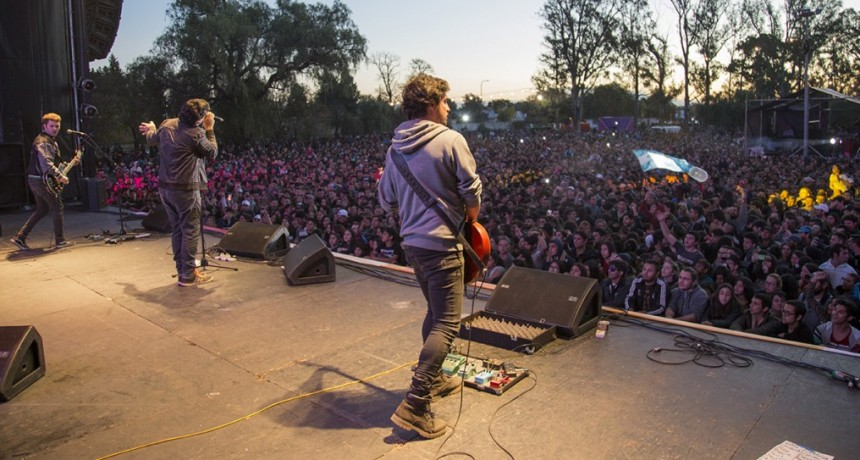 """Más de 30 mil personas disfrutaron del """"San Luis Rock"""""""