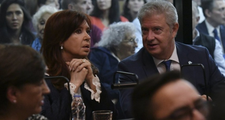 Nuevo cuarto intermedio en el juicio a Cristina por Vialidad: el proceso se reiniciará el próximo lunes