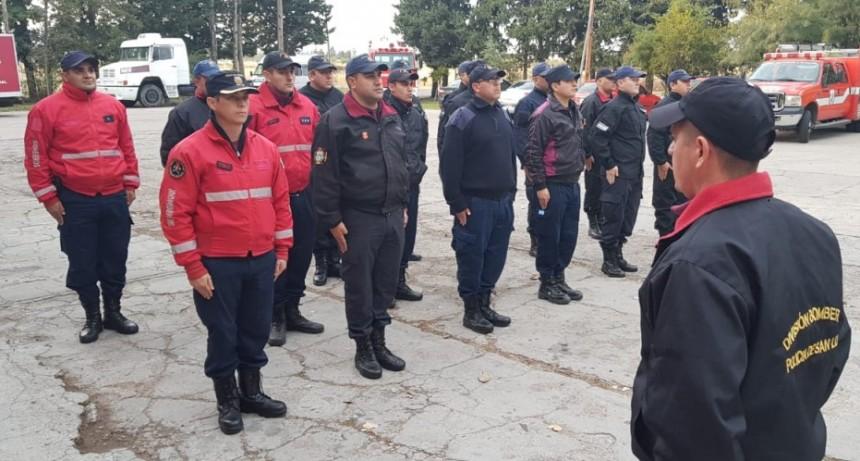 Bomberos de la Policía capacitan a sus pares de Río Negro
