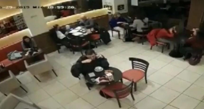 Robo piraña en un bar de Caballito: se llevaron todo en 33 segundos