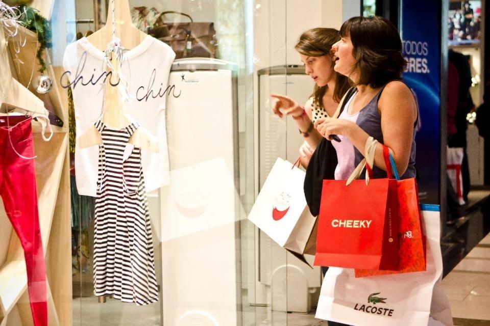Cuarentena: habilitan los shoppings en Mendoza y más actividades en Buenos Aires