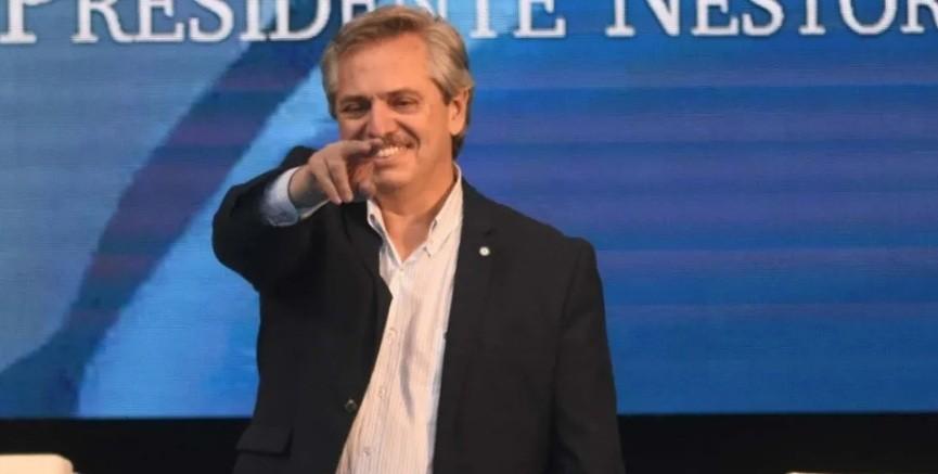 Alberto Fernández continuará internado debido a una inflamación pulmonar