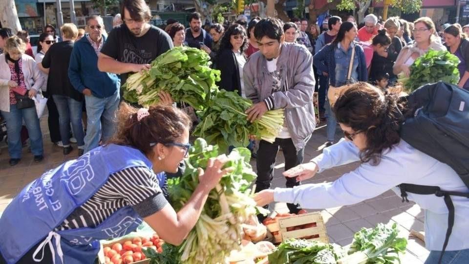 La municipalidad impidió que se realizará el verdurazo en la plaza Pringles