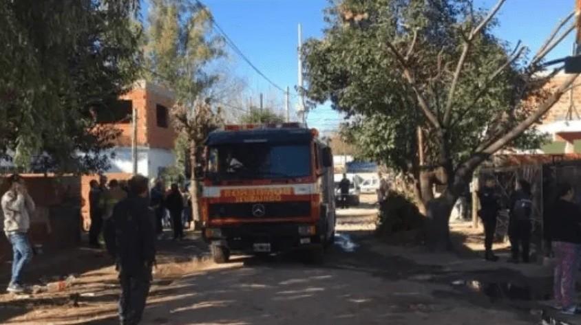 Tres nenes murieron calcinados en voraz incendio en Ituzaingó