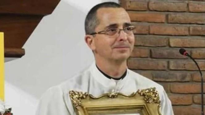 Encontraron muerto a un diácono con un corte en el cuello en Lomas de Zamora