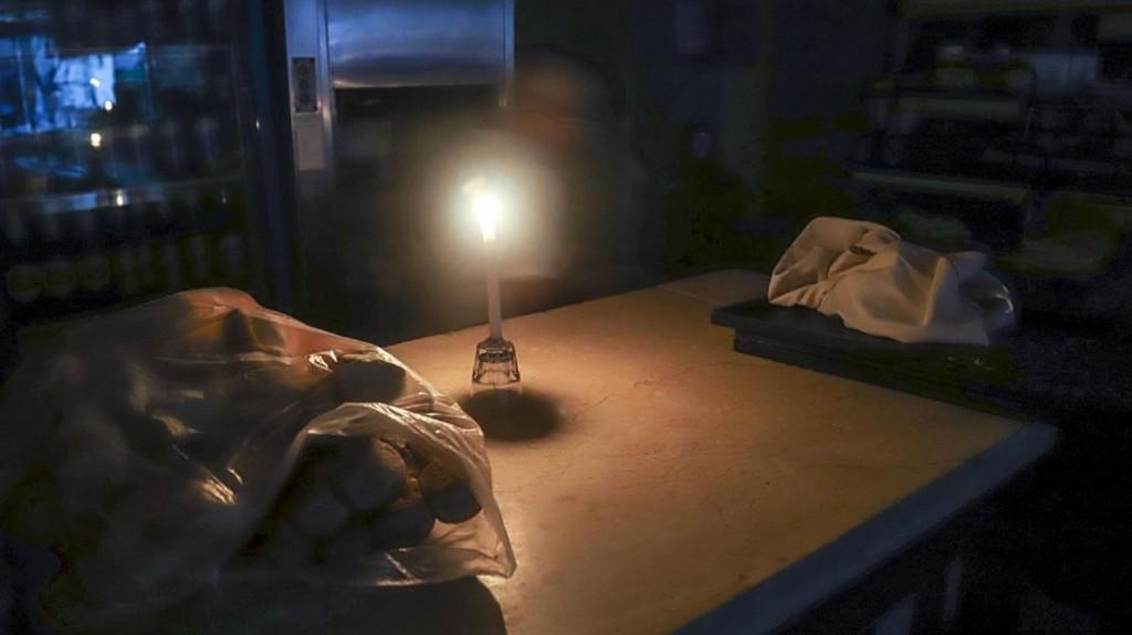 Unos 10 mil usuarios siguen sin luz en la Ciudad y el Conurbano tras el apagón