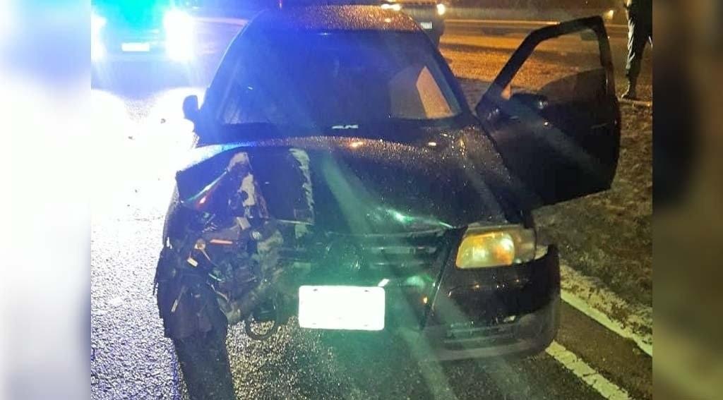 San Luis: un conductor alcoholizado chocó con un poste de iluminaria en la Avenida Santos Ortiz