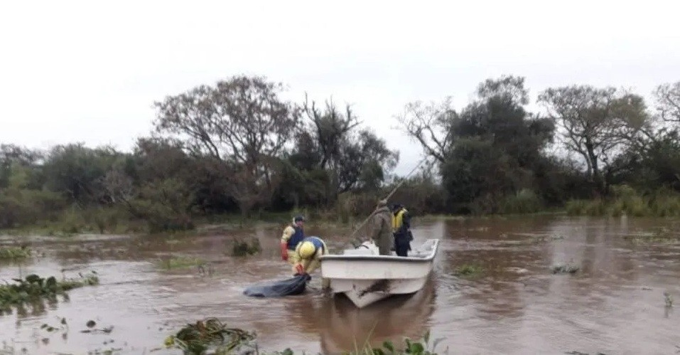 Hallan el cuerpo desmembrado de una mujer flotando en el Río Paraná