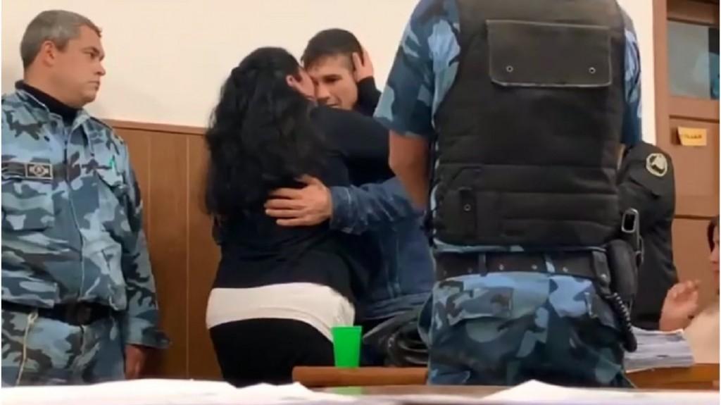 Necochea: Una madre perdonó y abrazó al acusado de matar a su hijo durante el juicio oral