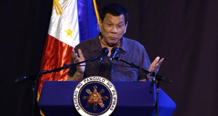 El Presidente de Filipinas dijo que fue gay pero se curó