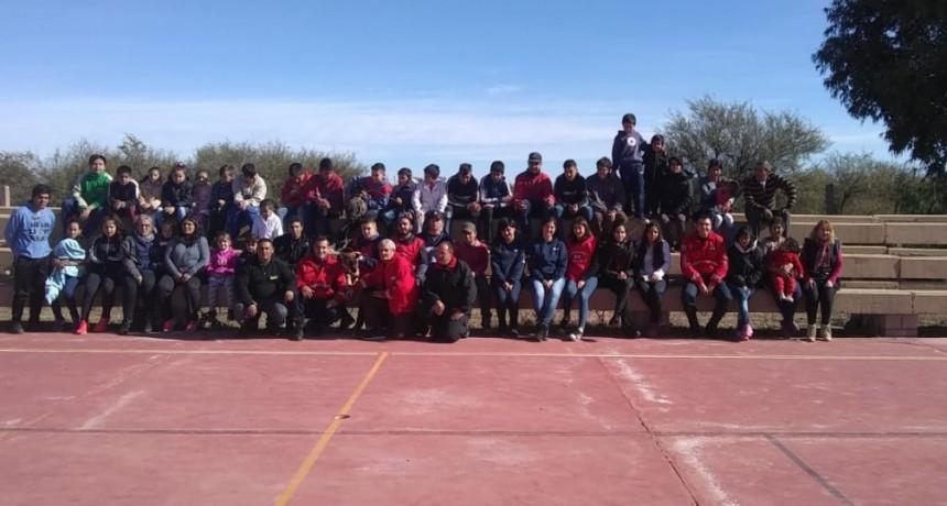 Villa Carmen – San Luis: bomberos brindaron capacitaciones y realizaron donaciones a dos escuelas
