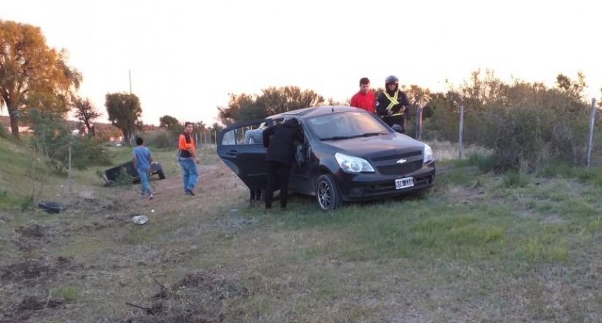 San Luis: un auto volcó en la autopista 25 de Mayo
