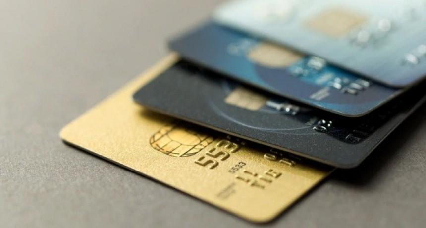 Demandó a un hotel alojamiento porque su marido se enteró de una infidelidad por el resumen de la tarjeta de crédito