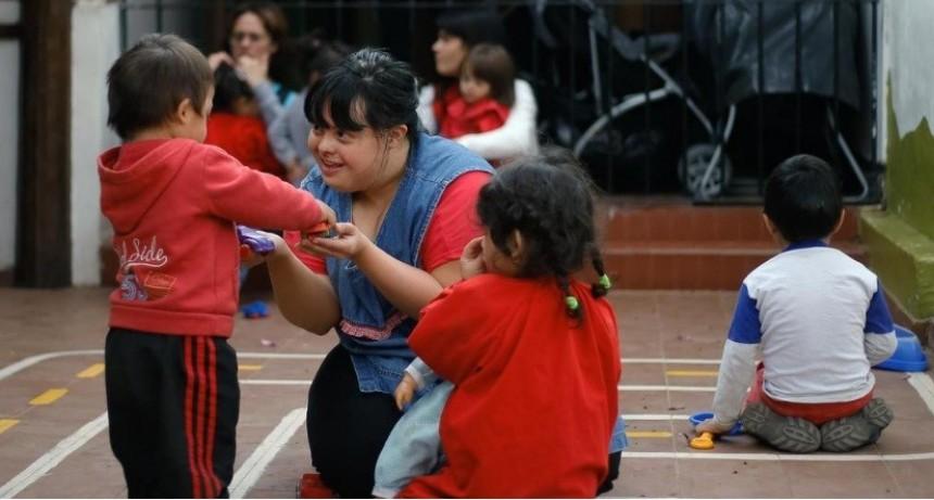 Noelia, la primera maestra con síndrome de Down que logra convertirse en titular en Argentina