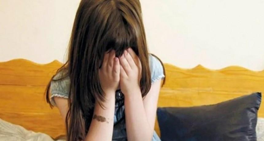 Monstruo: adoptó una nena sólo para violarla