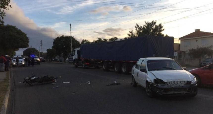 San Luis: un auto y una moto chocaron en la Avenida Lafinur