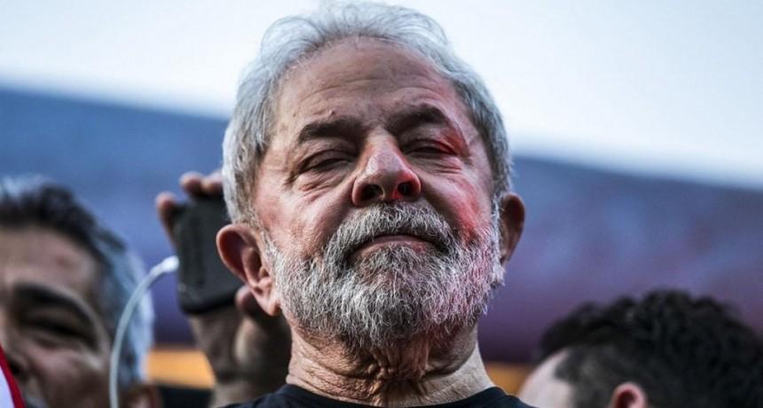 En Brasil esperan que la Corte Suprema analice los habeas corpus y ordene la liberación de Lula