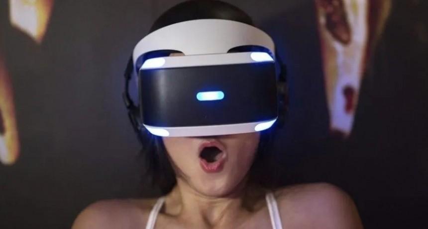 Usó realidad virtual por primera vez, hizo un papelón y su reacción se hizo viral