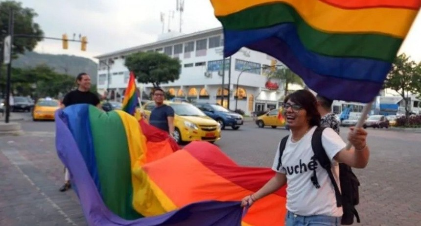 Ecuador aprobó el matrimonio igualitario