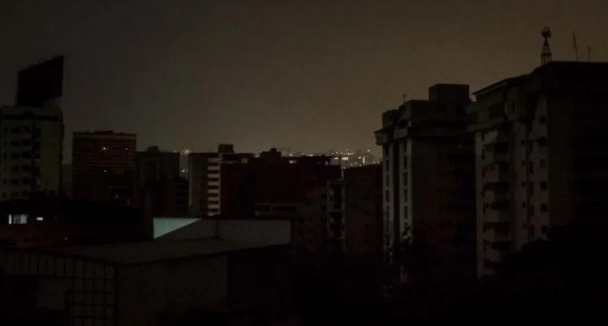 La reacción del mundo ante el histórico corte de luz en Argentina