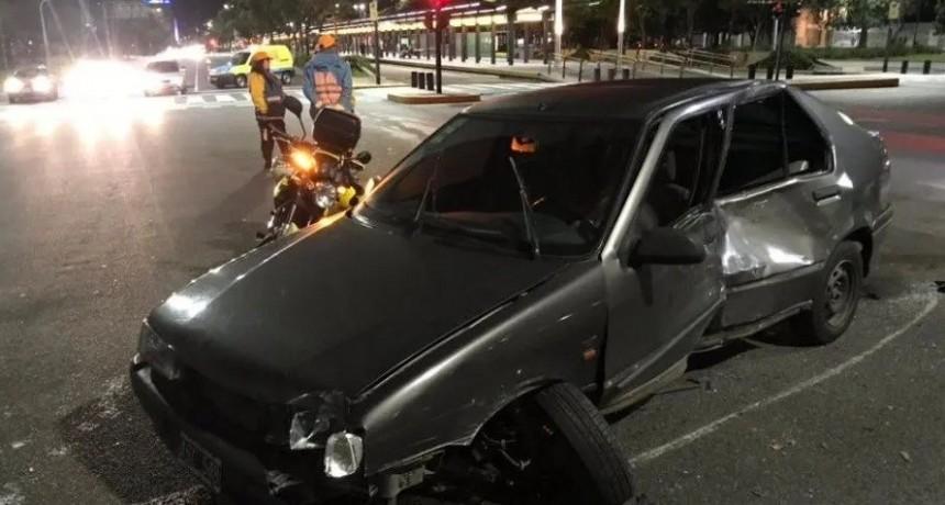 Conocido rugbier chocó su moto contra un auto: sufrió golpes y una fractura