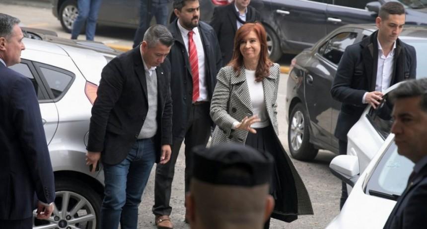 Cristina Kirchner no estará el lunes en el juicio por la obra pública