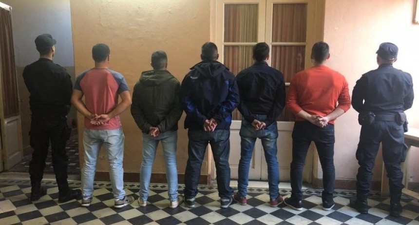 Prisión preventiva para 11 de los 13 ex policías detenidos por la masacre de San Miguel del Monte
