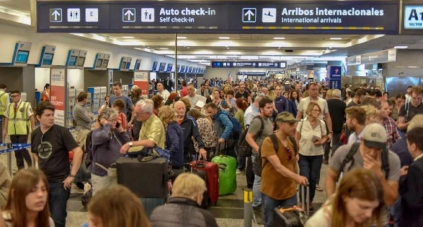El paro de los controladores aéreos vuelve a afectar a los vuelos en Ezeiza y Aeroparque