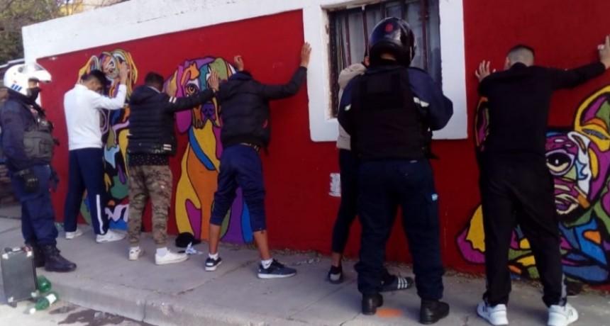 San Luis: demoraron a cinco personas que bebían alcohol en la vía pública y molestaban a los transeúntes