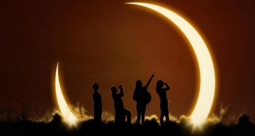 Ni radiografías ni lentes oscuros: qué usar para ver el eclipse de sol