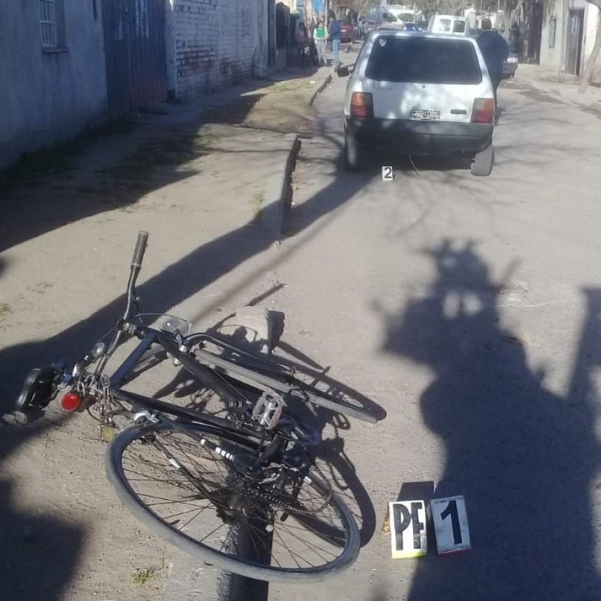 San Luis: un automovilista chocó a una ciclista