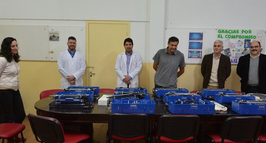 Entregaron instrumental para realizar cirugías por laparoscopía a tres hospitales