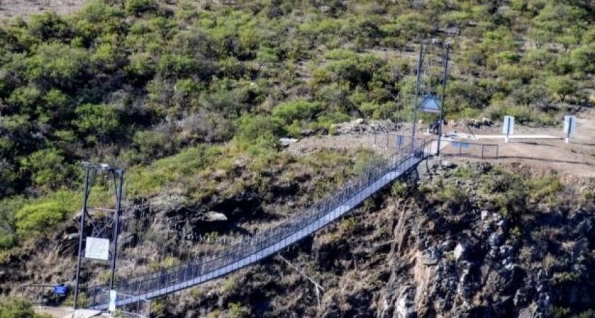 Se inaugura el puente peatonal colgante que une La Florida y Balde de la Isla