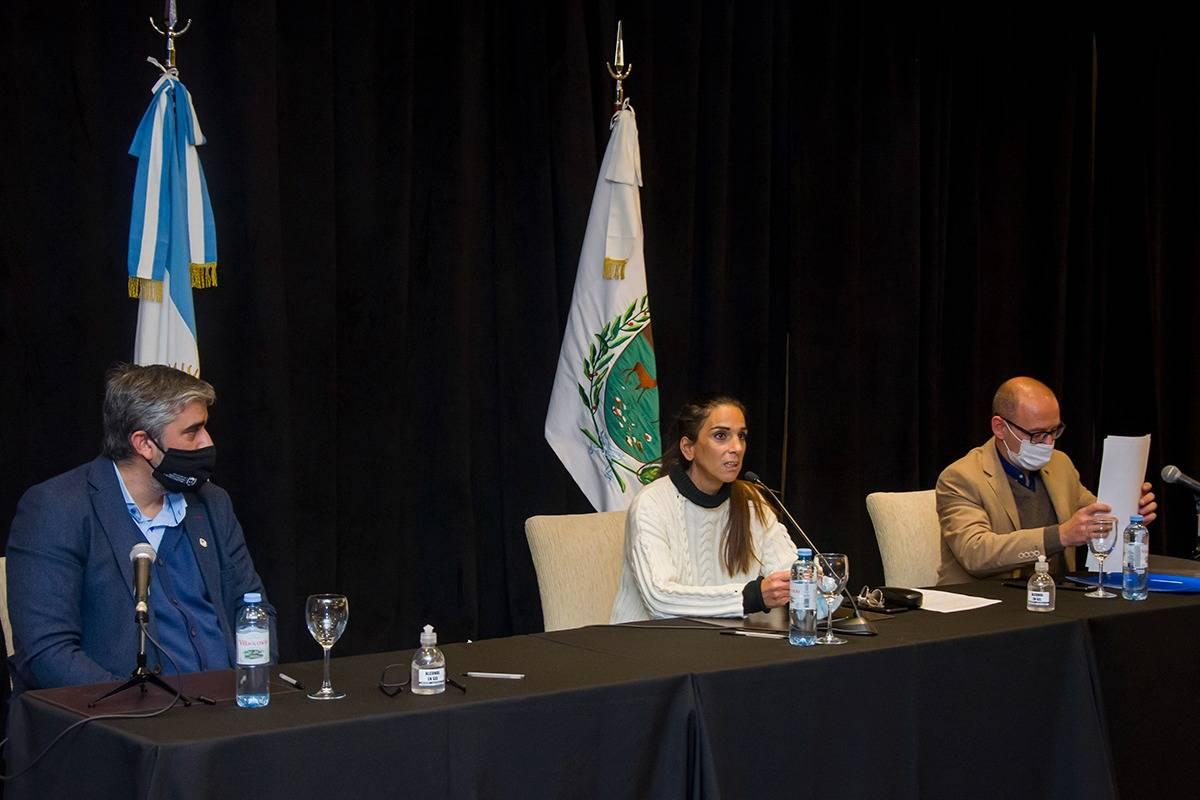 Obra Pública: firmaron las primeras adendas con 13 municipios por un monto superior a $765 millones