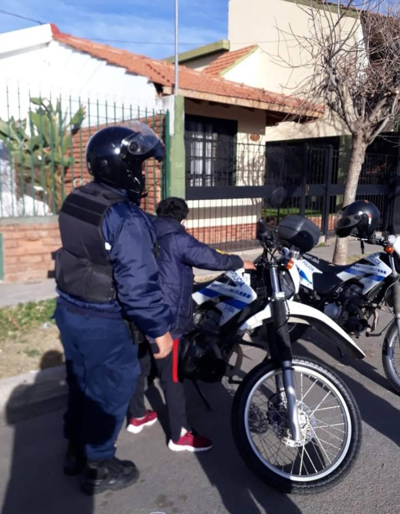 San Luis: un adolescente intentó ingresar a una vivienda y fue demorado