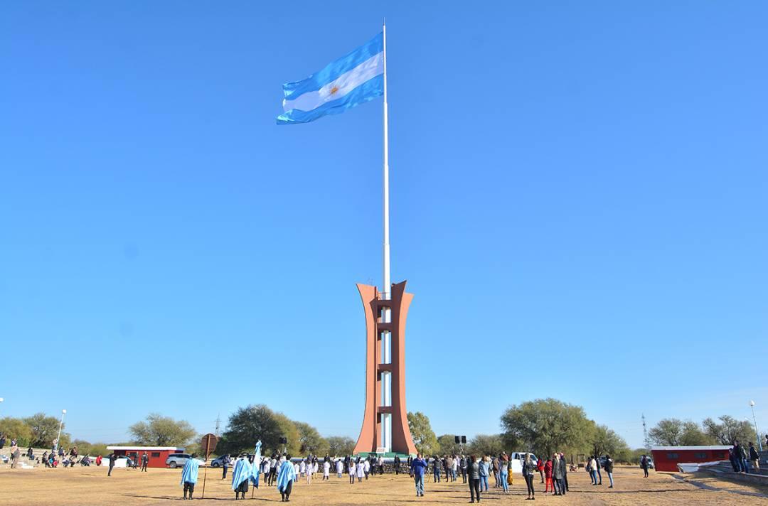 Más de 20 estudiantes de escuelas rurales del departamento Belgrano harán la promesa de lealtad a la Bandera